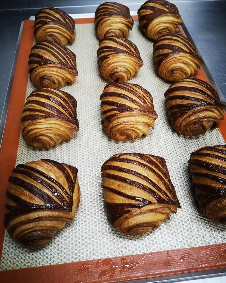 Pain au chocolat à la pâte à tartinée